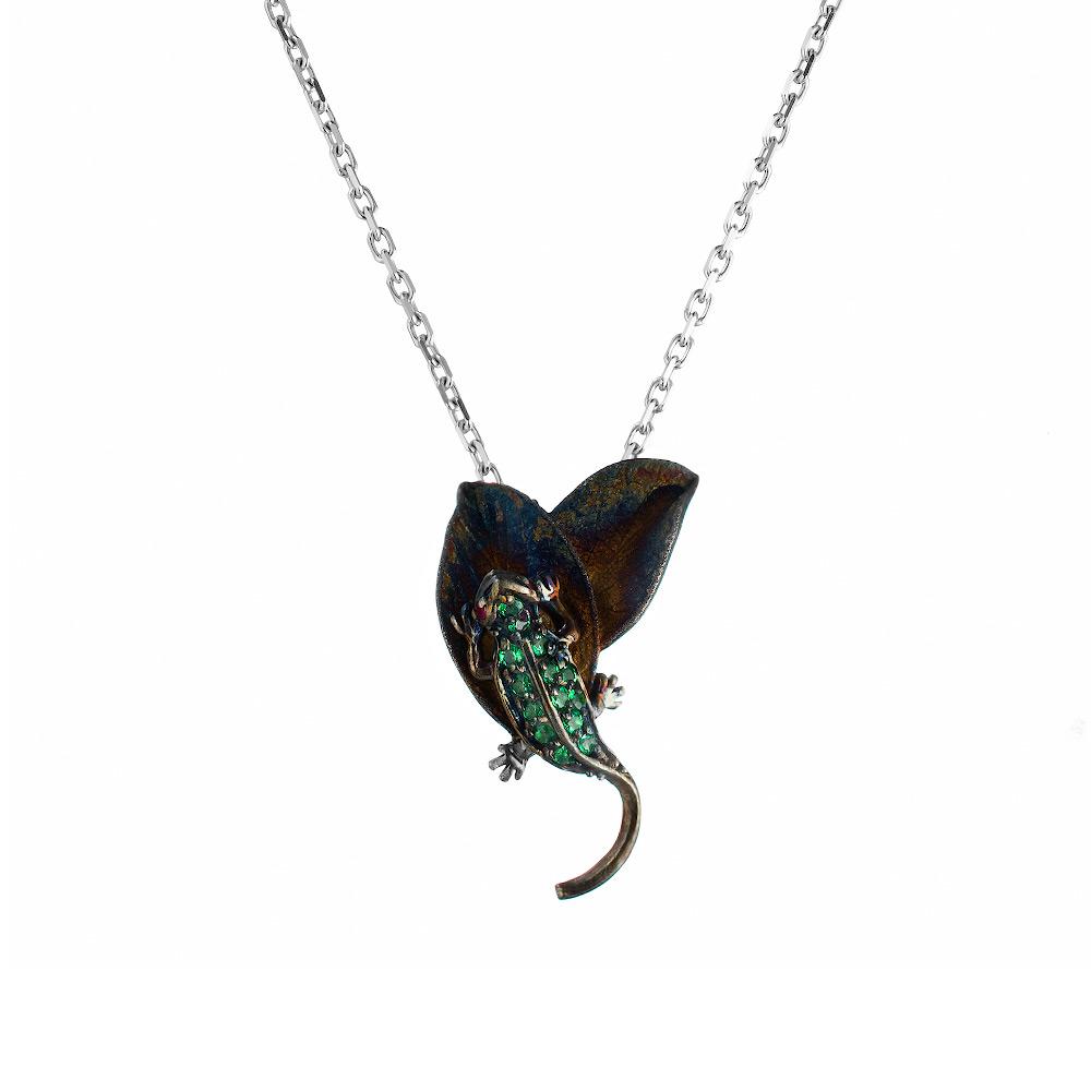 Колье «Ящерица» от Roberto Bravo, из родированого серебра с зелеными кварцем и эмалью • Roberto bravo